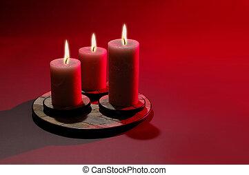 świece, trzy