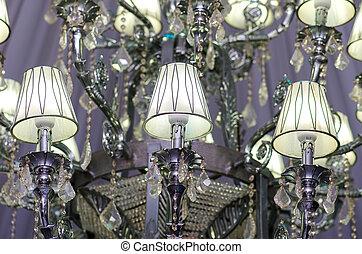 świecznik, wypadek, sala balowa