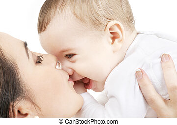 šťastný, matka, polibenˇ, chlapeček