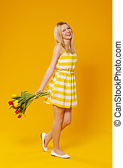 šťastný, young eny, s, květiny