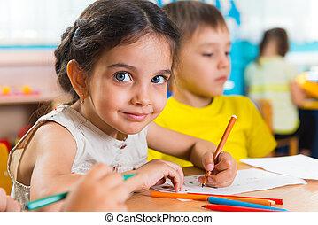 šikovný, maličký, děti, skupina, kreslení, předškolní