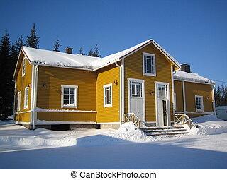 żółty, drewniany dom