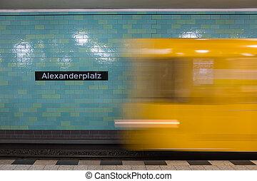 żółty, ruch, berlin, pociąg, tunel, metro, station., alexanderplatz