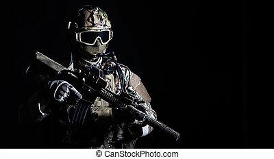 żołnierz, szczególna siła