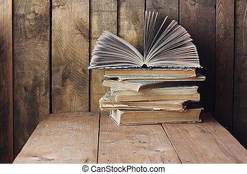 życie, books., książki, wciąż, stół., stóg