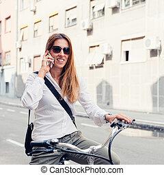 życie miasta, e-bike