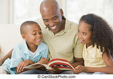 życie pokój, posiedzenie, dwa, książka, uśmiechanie się, czytanie, dzieci, człowiek