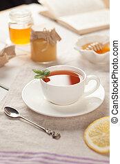życie, zima, filiżanka, herbata, jesień, książka, stół, wciąż, albo