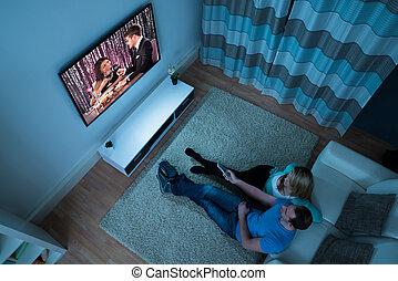 żyjący, para, film, pokój, oglądając