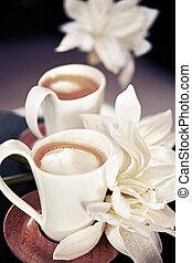 άγιο δισκοπότηρο , καφέs , λουλούδια , γάλα