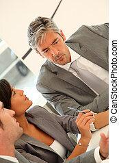 άθροισμα από αρμοδιότητα ακόλουθοι , μέσα , ένα , συνάντηση