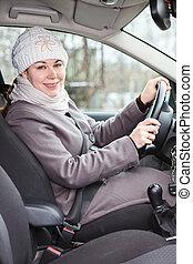 άμαξα αυτοκίνητο γυναίκα , χειμώναs , οδήγηση , ρούχα