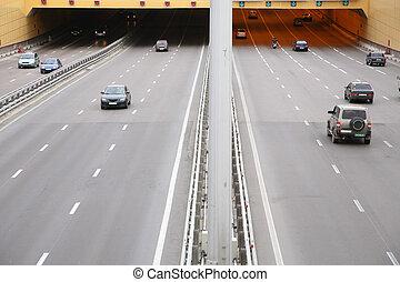 άμαξα αυτοκίνητο , δρόμοs
