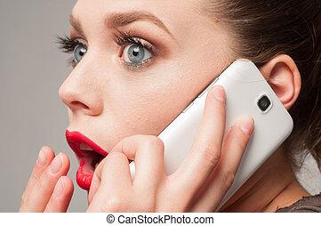 έκπληξη , για , ένα , κορίτσι , αναμμένος άρθρο τηλέφωνο