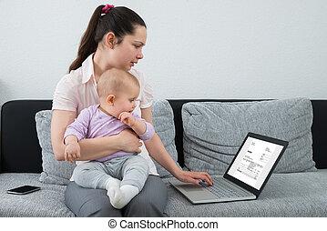 έλεγχος , laptop , γυναίκα , τιμολόγιο