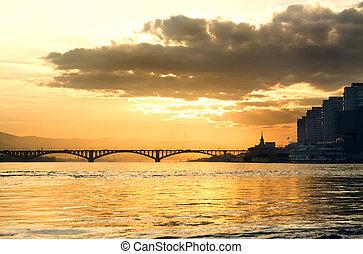 ένα , γέφυρα , πάνω , ένα , ποτάμι , μέσα , ο , krasnoyarsk
