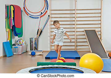 ένα , παιδί , αναμμένος άρθρο γυμναστήριο