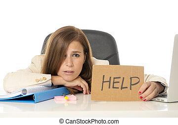 ένταση , απελπισμένος , γραφείο , επιχειρηματίαs γυναίκα , άθυμος , ηλεκτρονικός υπολογιστής , κράτημα , γραφείο , σήμα , βοήθεια