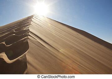 ήλιοs , άμμοs , πατημασιά , αμμόλοφος
