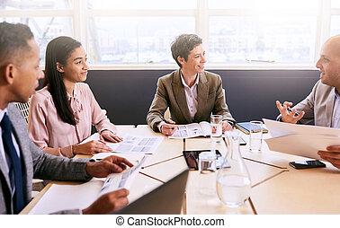 αίθουσα σύσκεψης , επιχείρηση , τέσσερα , ανάμεσα , επαγγελματικός , συνάντηση , στελέχη