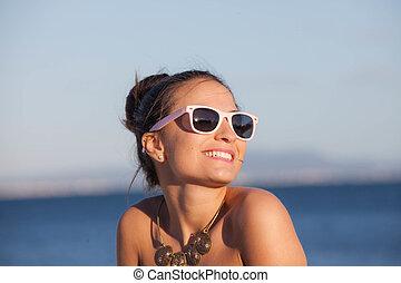αίσιος γυναίκα , επάνω , καλοκαίρι , ακρογιαλιά άδεια