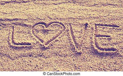 αγάπη αναπτύσσομαι , μετοχή του draw , επάνω , ακρογιαλιά άμμος