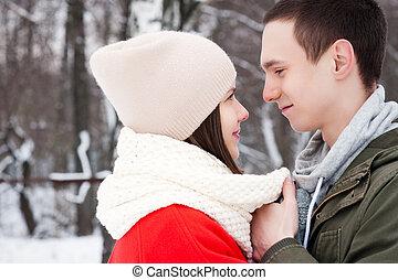 αγάπη , χειμώναs , ζευγάρι , πάρκο , νέος , fun.family, φιλί , outdoors., έχει , ευτυχισμένος