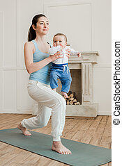αγόρι , άσκηση , θαμπός , μητέρα , μωρό , σπίτι , γιόγκα