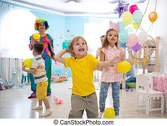 αγόρι , γενέθλια , ερεθισμένος , παιδί , πάρτυ