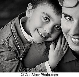 αγόρι , δικός του , περήφανος , αγαπώ , ιλαρός , μαμά