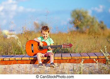αγόρι , καλοκαίρι , κιθάρα , πεδίο , χαριτωμένος , πορτραίτο , παίξιμο