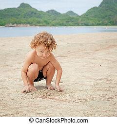 αγόρι , μικρός , ακρογιαλιά. , παίξιμο