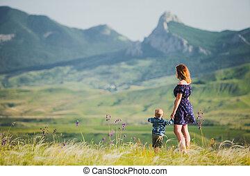 αγόρι , μικρός , γυναίκα , φόντο , βουνά