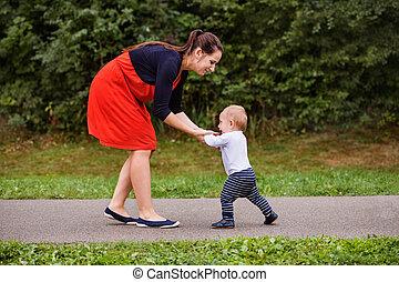 αγόρι , μικρός , δικός του , μητέρα , κατασκευή , steps., πρώτα