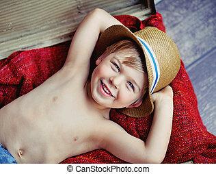 αγόρι , μικρός , καπέλο , ευτυχισμένος