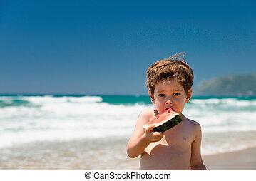αγόρι , μικρός , καρπούζι , κατάλληλος για να φαγωθεί ωμός