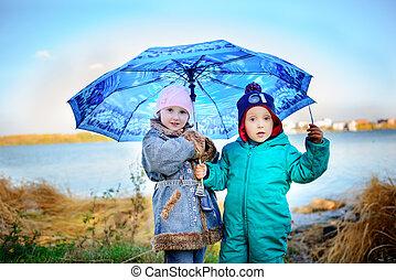 αγόρι , μικρός , μικρόκοσμος , ομπρέλα , παίζω , rain., κορίτσι , παίξιμο