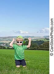 αγόρι , μικρός , countryside., ευτυχισμένος