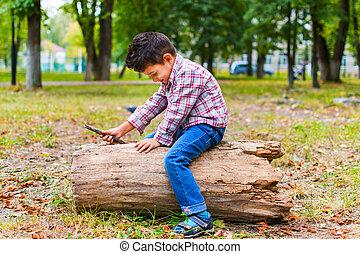 αγόρι , πάρκο , παίξιμο