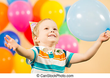 αγόρι , πάρτυ γεννεθλίων , μπαλόνι , χαρούμενος , παιδί