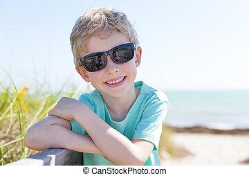 αγόρι , παραλία
