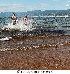 αγόρι , τρέξιμο , δυο , γρήγορα , λίμνη