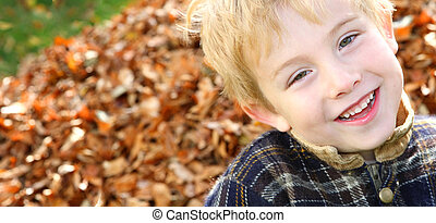 αγόρι , φύλλα , ενισχύω , χαμογελαστά