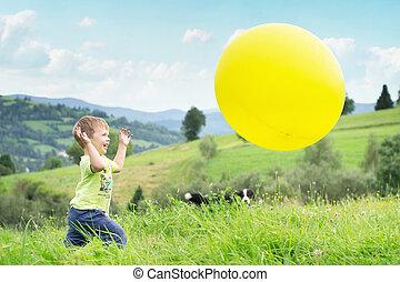 αγόρι , balloon, ανοίγω αυλακιές , γέλιο