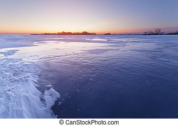 ακινητοποιούμαι άγονος , πάγοs , λίμνη