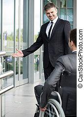 ανάπηρος , πριν , ανήρ αγγίζω , αφεντικό