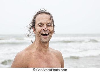 ανήρ ακουμπώ , σε , παραλία , χαμογελαστά