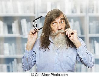 ανακριτού. , γριά , σκεπτικός , σκεπτόμενος , εμπνευσμένος , γυαλιά , βιβλιοθήκη , ατενίζω , προσεκτικός , βιβλίο , ανώτερος ανήρ , γένια