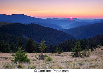 ανατολή , αναμμένος άρθρο βουνήσιος