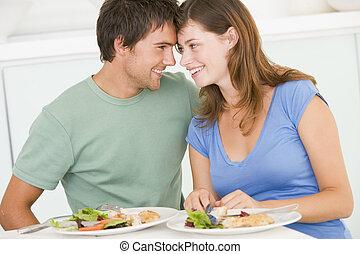 ανώριμος ανδρόγυνο , απολαμβάνω , γεύμα , μαζί